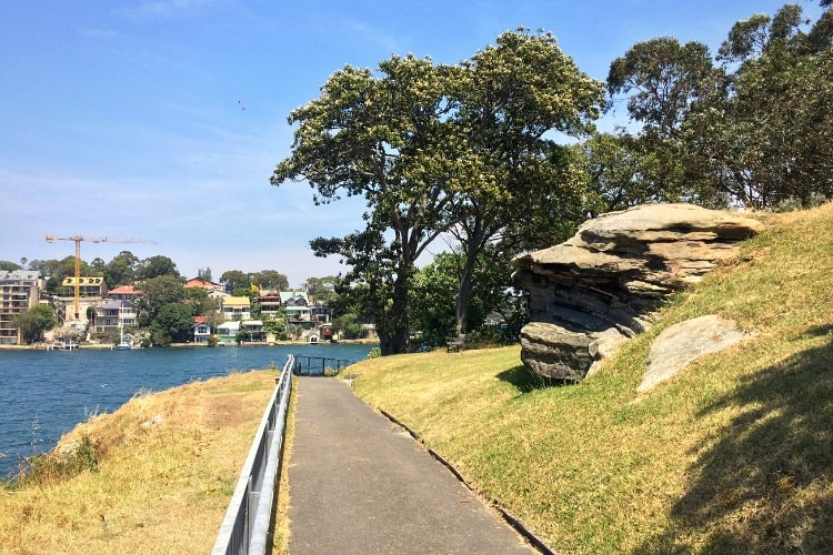 Walking path around Goat Island