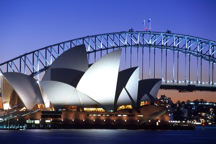 Watch a nighttime show at the Opera House