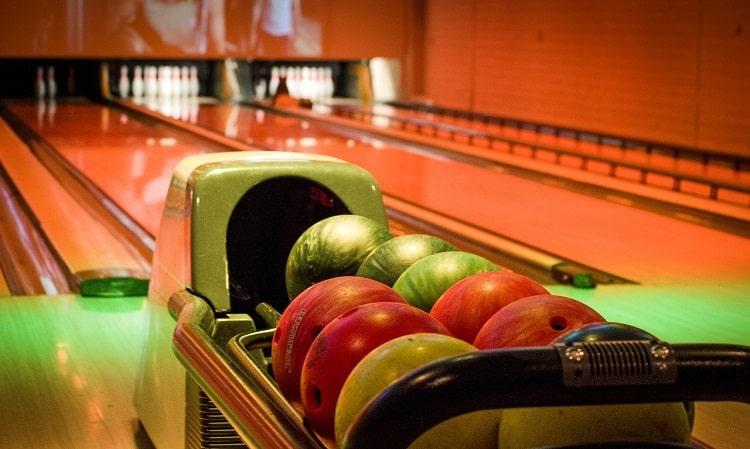 Ten pin bowling in Sydney