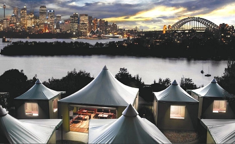 Stay overnight at Taronga Zoo
