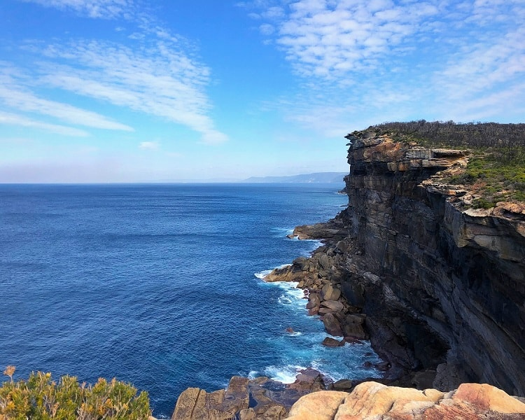 High sandstone cliffs in Royal National Park