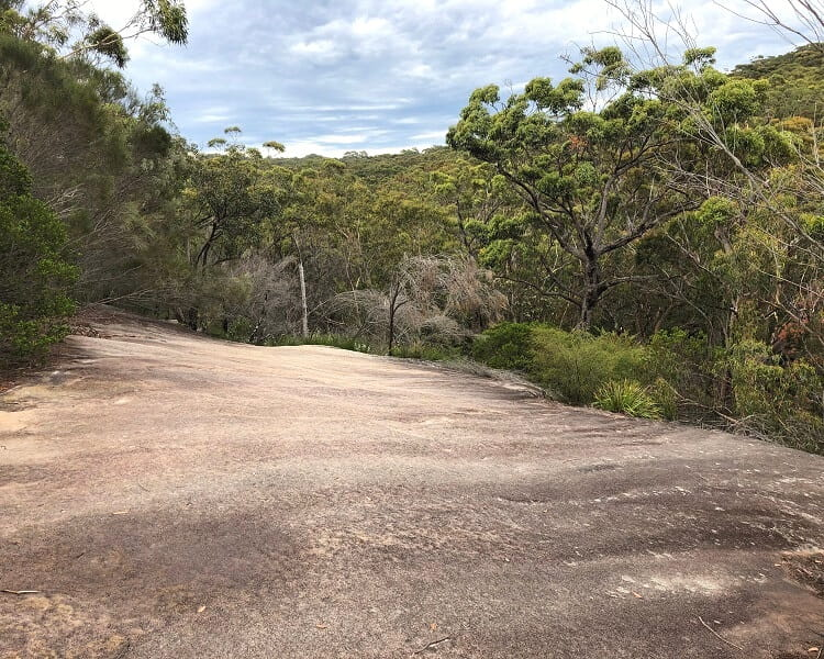Scenery along the Karloo Track