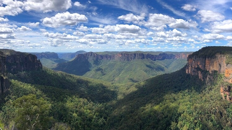 Govetts Leap Lookout and Bridal Veil Falls