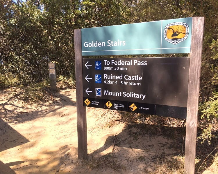 Start of the Golden Stairs and Ruined Castle Walk