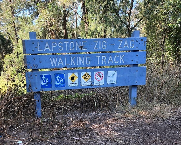 Signpost for the Lapstone Zig Zag walking track