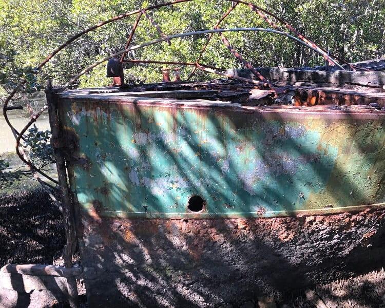 Unknown shipwreck in Homebush Bay