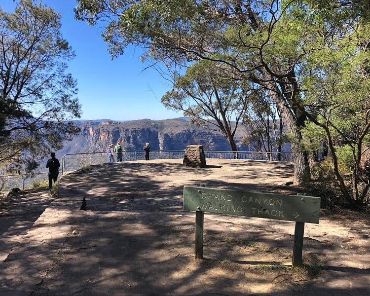 Start of the Grand Canyon Walk at Evans Lookout